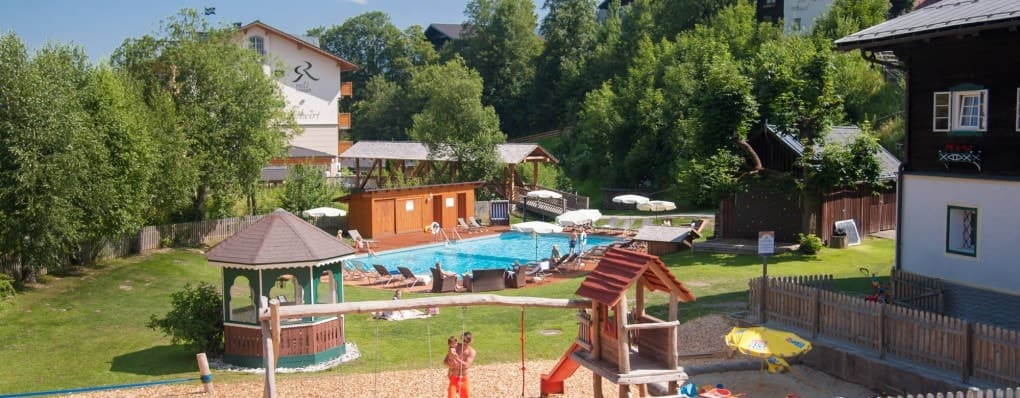 Family holiday in the family hotel Reslwirt in Flachau